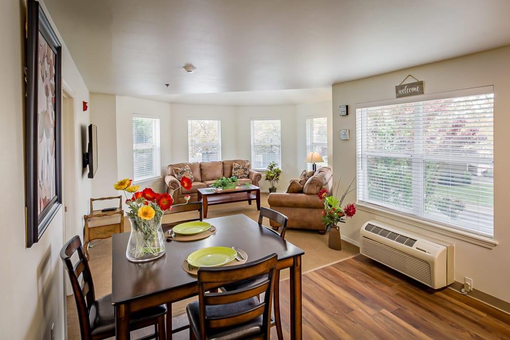 Dining and living room at Evergreen Senior Living in Eugene, Oregon