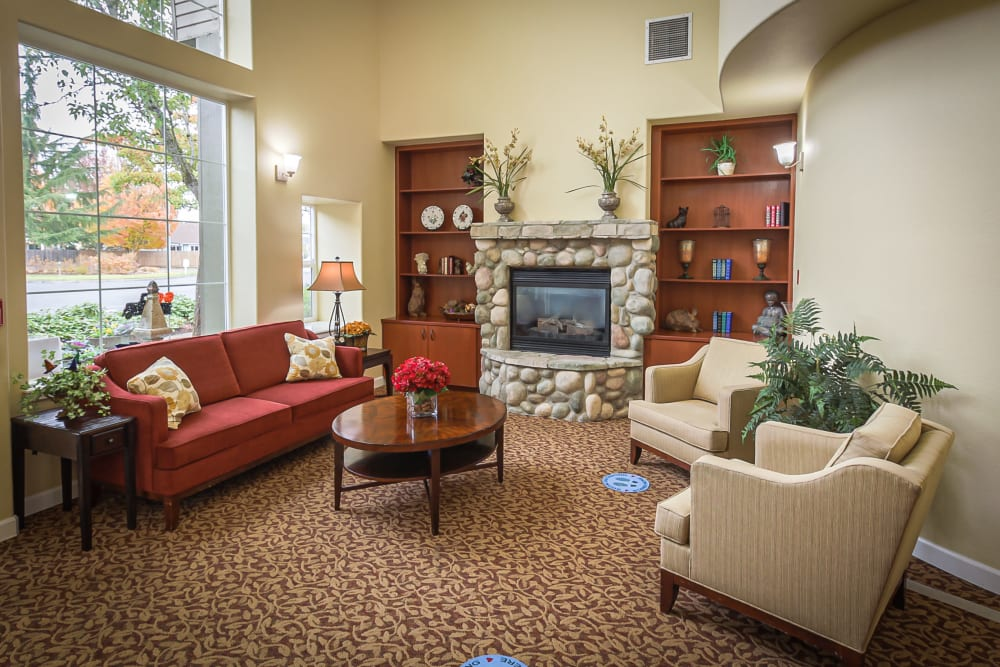 Beautiful lounge room at Evergreen Memory Care in Eugene, Oregon