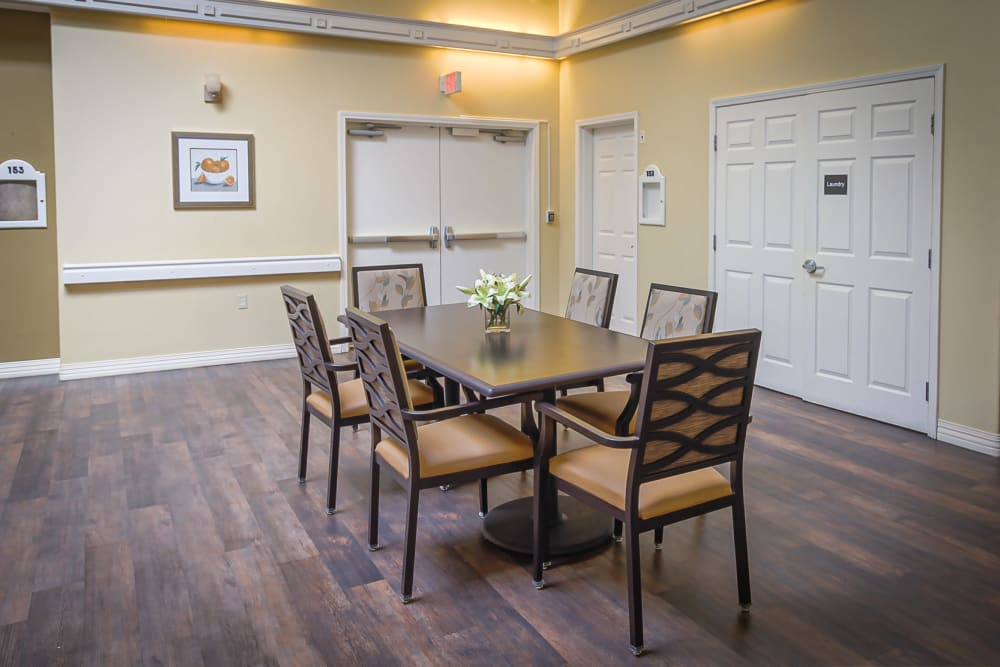 Community dining table at Evergreen Memory Care in Eugene, Oregon