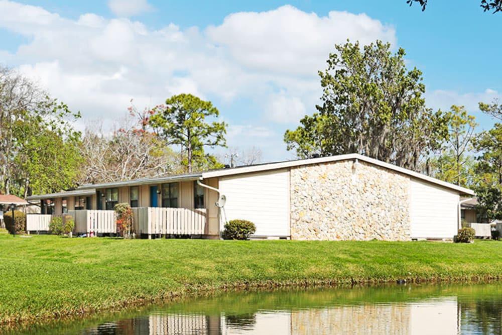 beautiful pond at Nova Glen Apartments in Daytona Beach, Florida