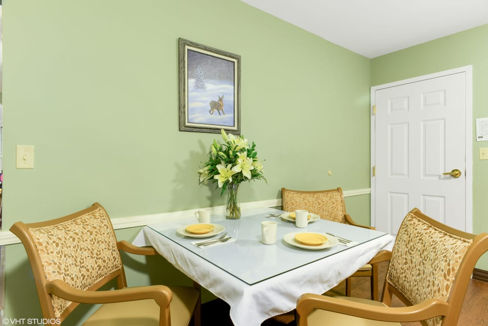 Resident dining table at Pines of Newmarket in Newmarket, New Hampshire.