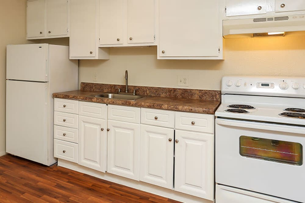 Ample kitchen storage space at Pelican Pointe Apartments in Jacksonville, Florida