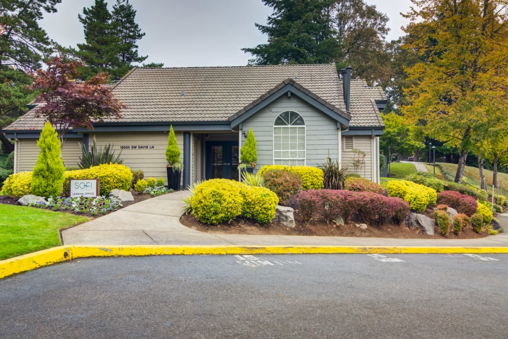 Front of the leasing office at Sofi Lake Oswego in Lake Oswego, OR