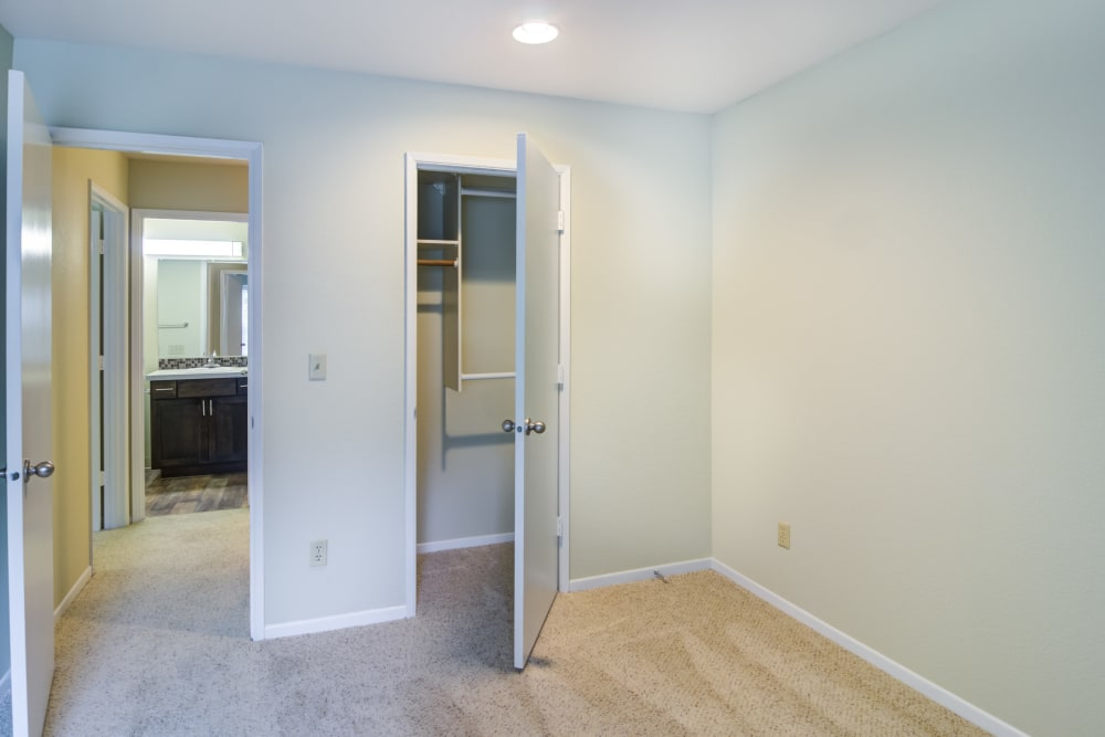 Spacious bedroom with a closet at Sofi Lake Oswego in Lake Oswego, OR