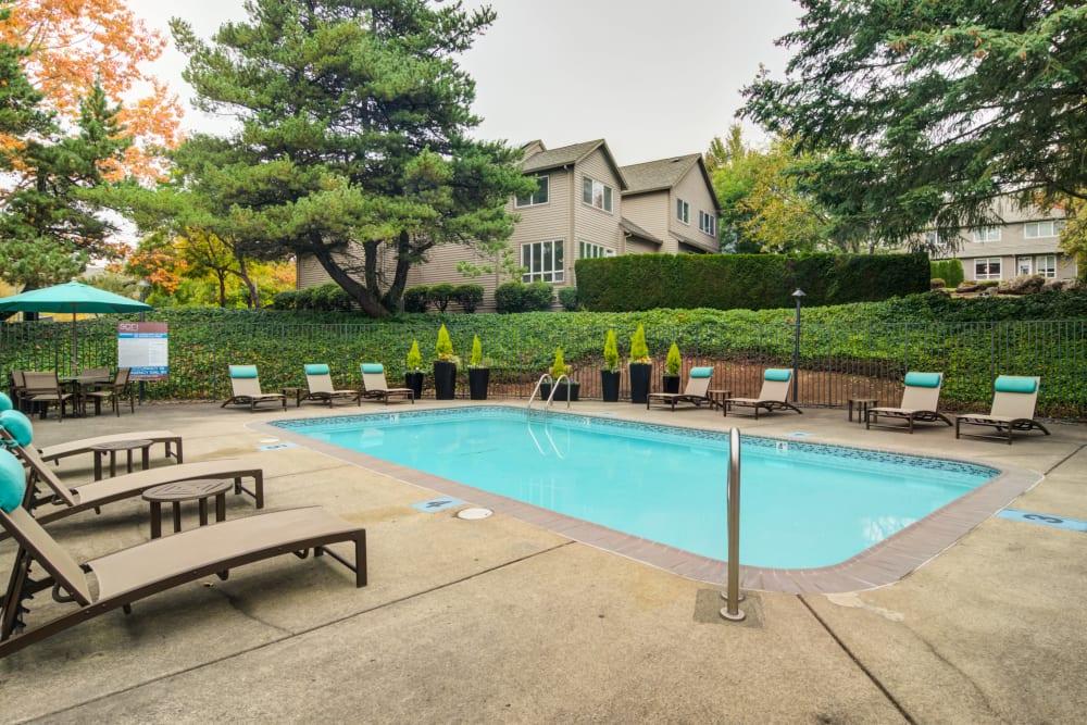 Swimming pool at Sofi Lake Oswego in Lake Oswego, OR