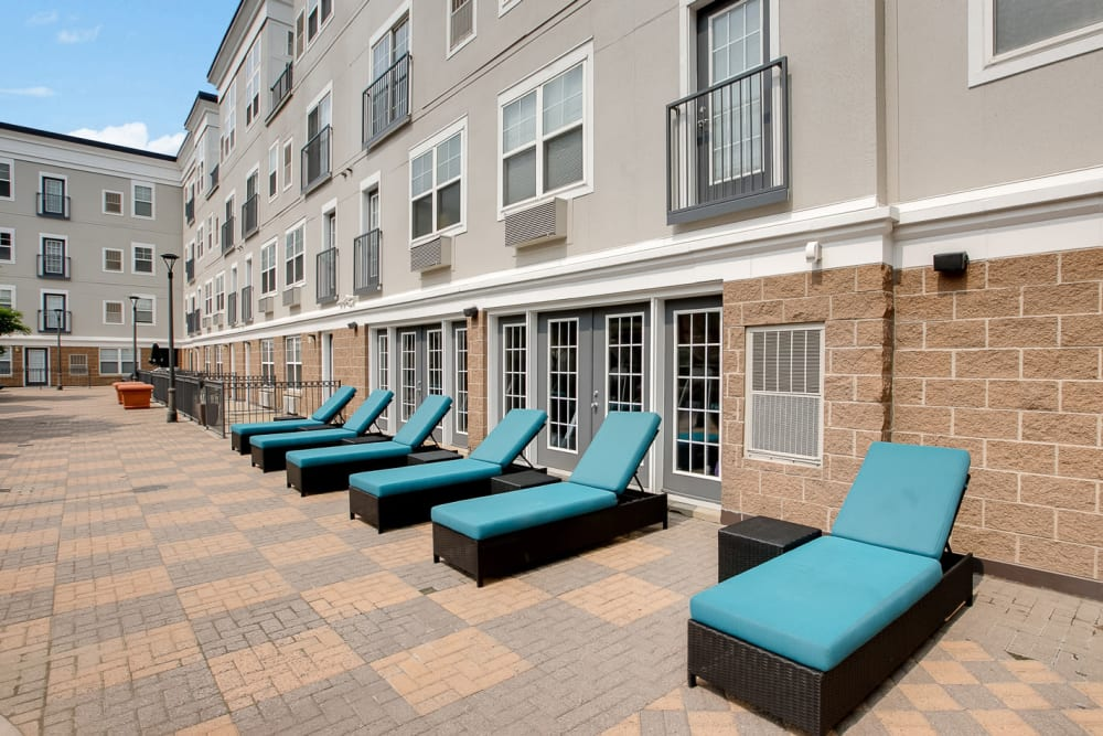 Lounge chairs in the sun at Loring Park Apartments in Minneapolis, Minnesota