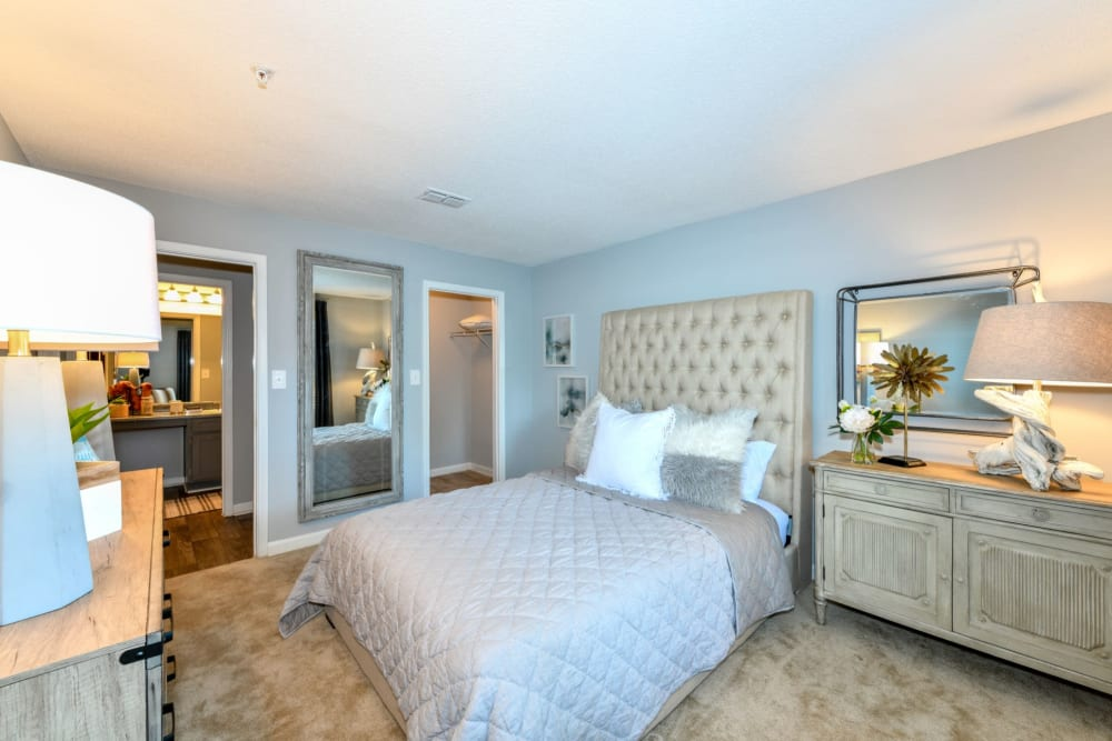 Bright bedroom at 900 Dwell in Stockbridge, Georgia