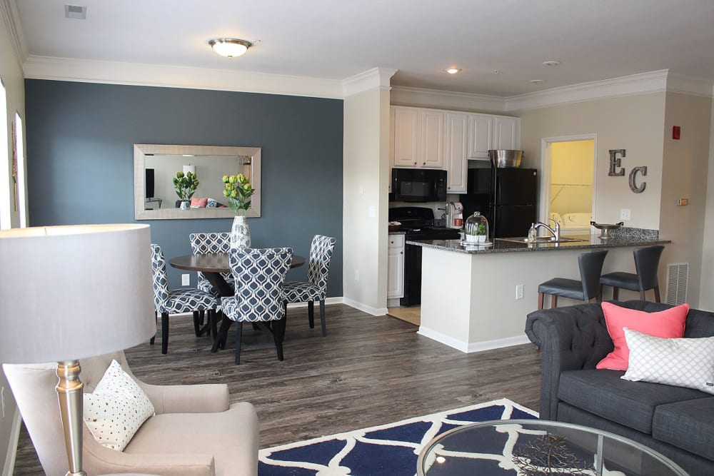 Dining room and kitchen at Easton Commons Apartments & Townhomes in Columbus, Ohio