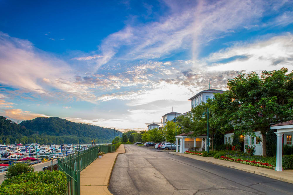 Beautiful view of the water and mountains in Pittsburgh, Pennsylvania near The Docks Apartments & Townhomes