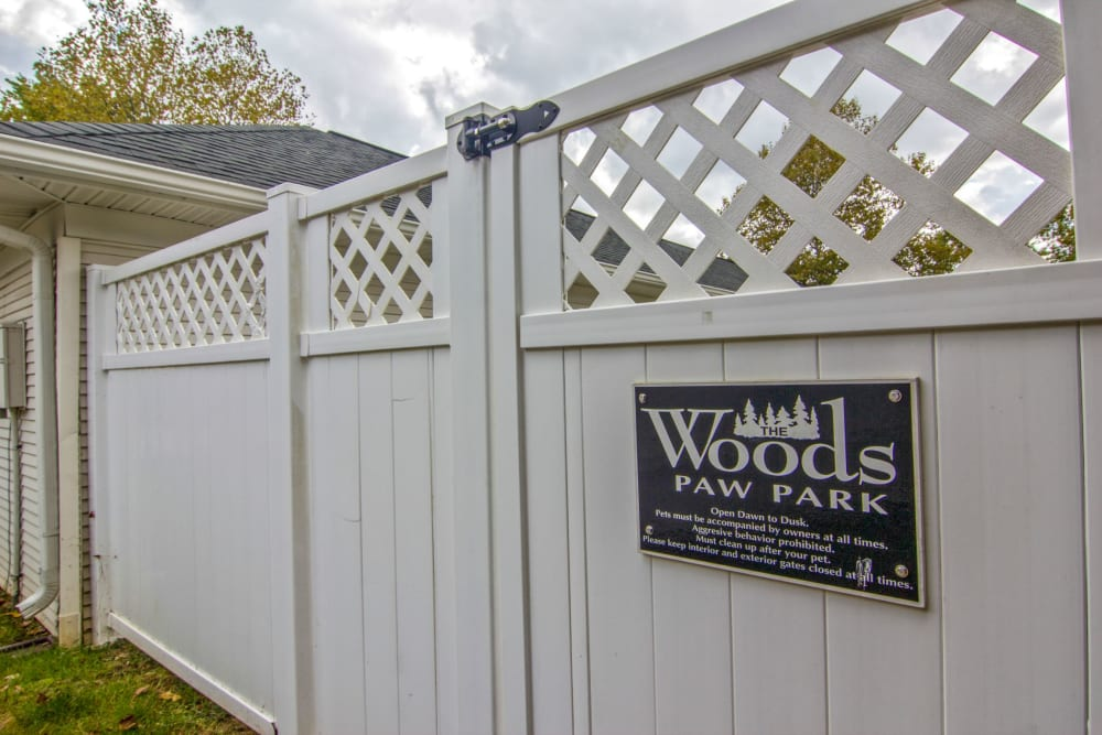Community dog park at The Woods at Polaris Parkway Apartments & Townhomes in Westerville, Ohio