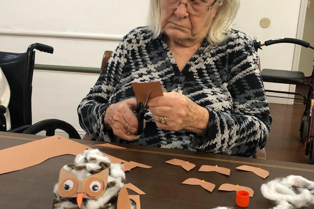 Arts and crafts at Regent Court Senior Living