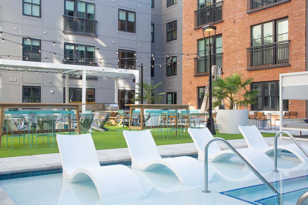 Resort-style swimming pool at 511 Meetingin Charleston, South Carolina