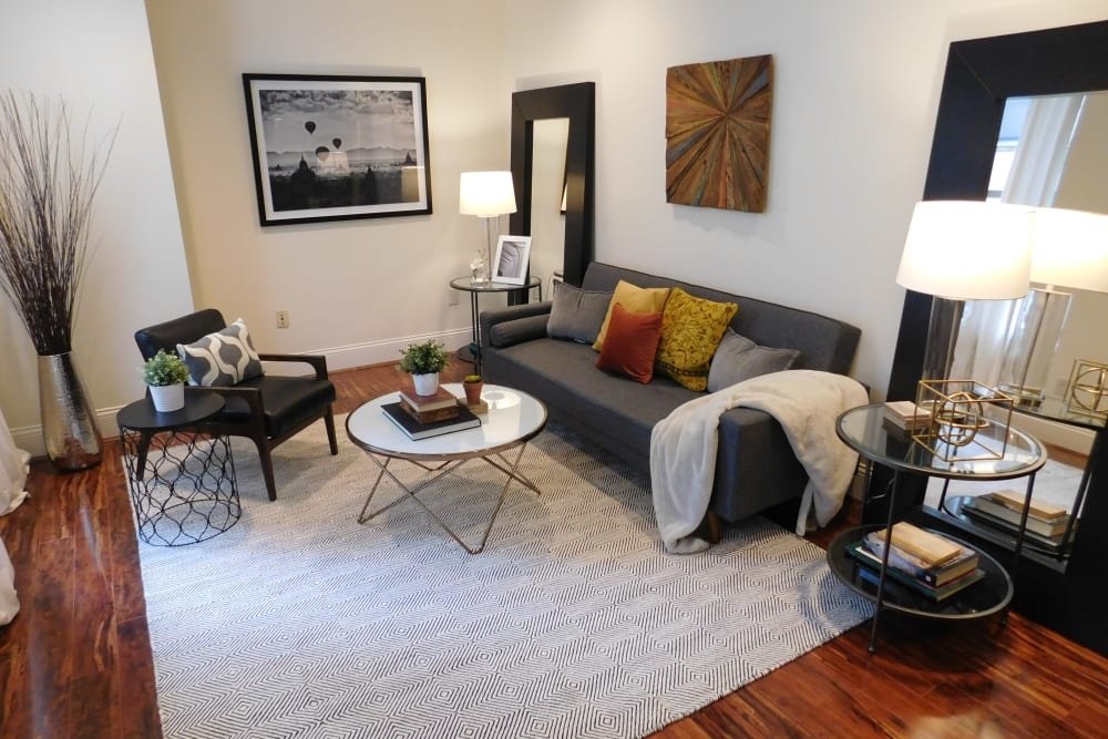 Living Room at The Reserve at 4th and Race in Cincinnati, Ohio