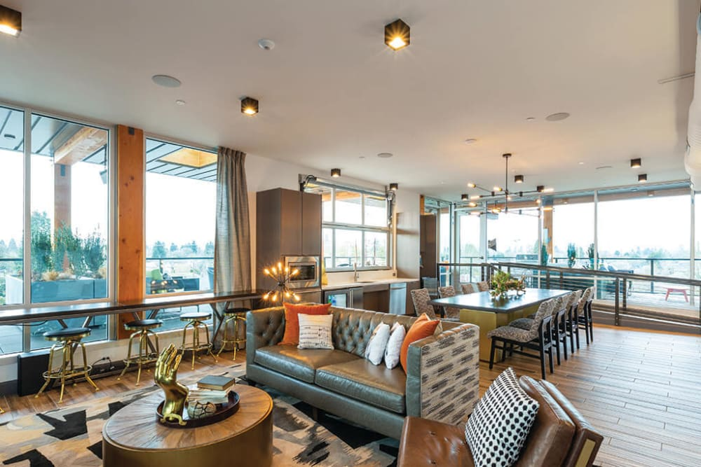 Rooftop resident lounge at ArLo Apartments in Portland, Oregon