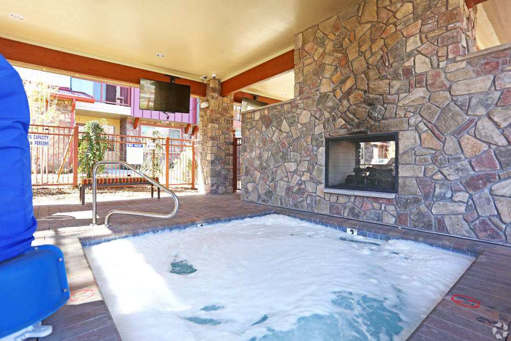 Hot tub at Mountain Trail in Flagstaff, Arizona