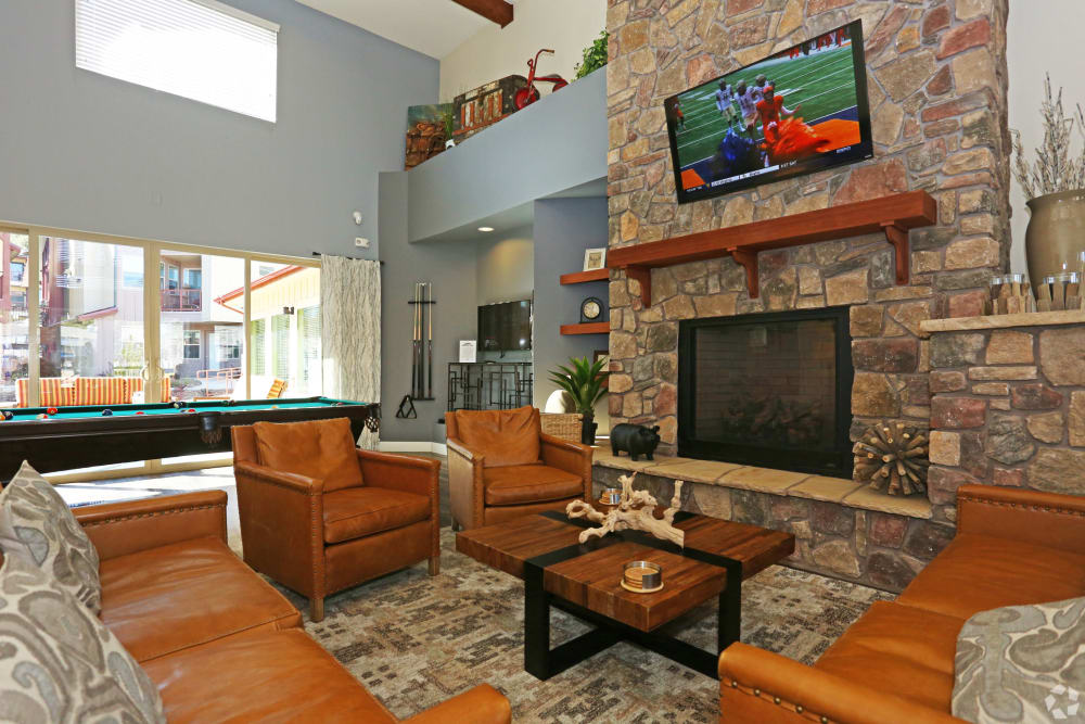 Community lounge at Mountain Trail in Flagstaff, Arizona