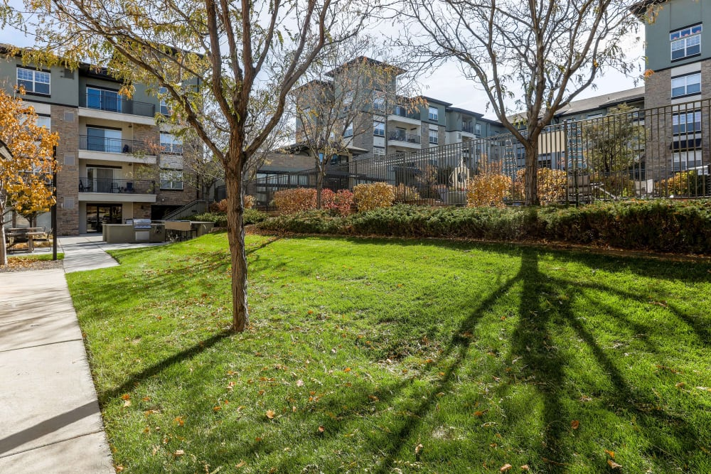 Lush landscaping at Summit at Flatirons Apartments in Broomfield, Colorado
