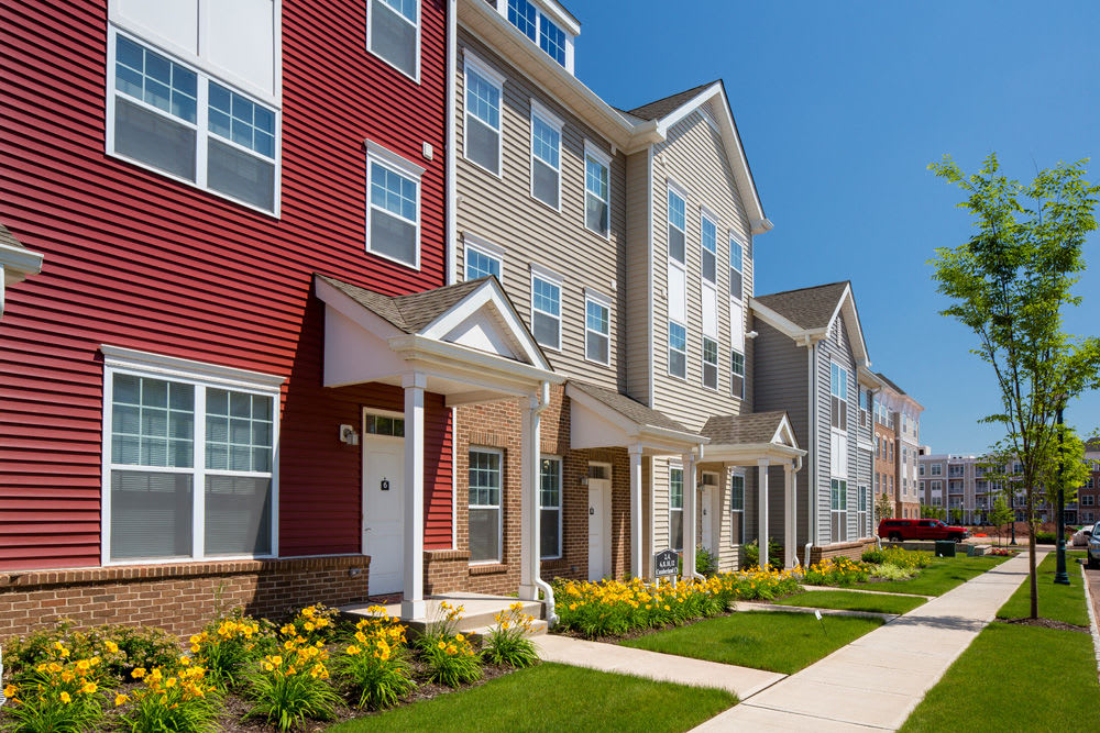 Townhomes at The Grove Somerset in Somerset, New Jersey