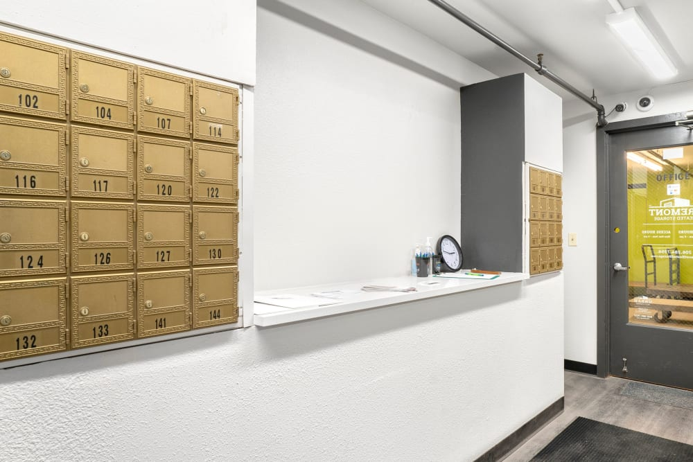 Mailbox rentals and self storage units in Fremont, WA