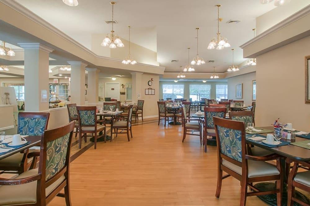 Dining hall at Randall Residence of Newark in Newark, Ohio