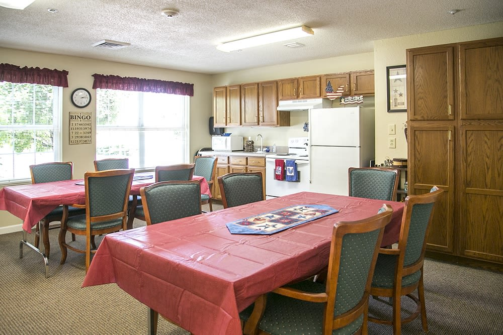 Casual resident kitchen area at Randall Residence of Wheelersburg in Wheelersburg, Ohio