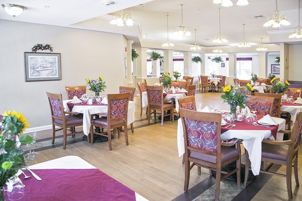 Dining hall at Randall Residence of Wheelersburg in Wheelersburg, Ohio