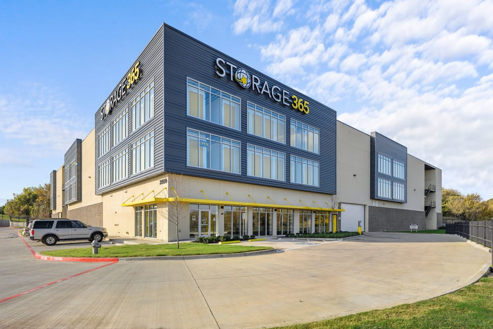Exterior of Storage 365 in Euless, Texas