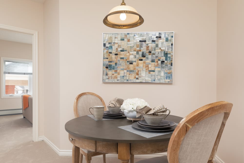 dining area at Touchmark at Wedgewood in Edmonton, Alberta