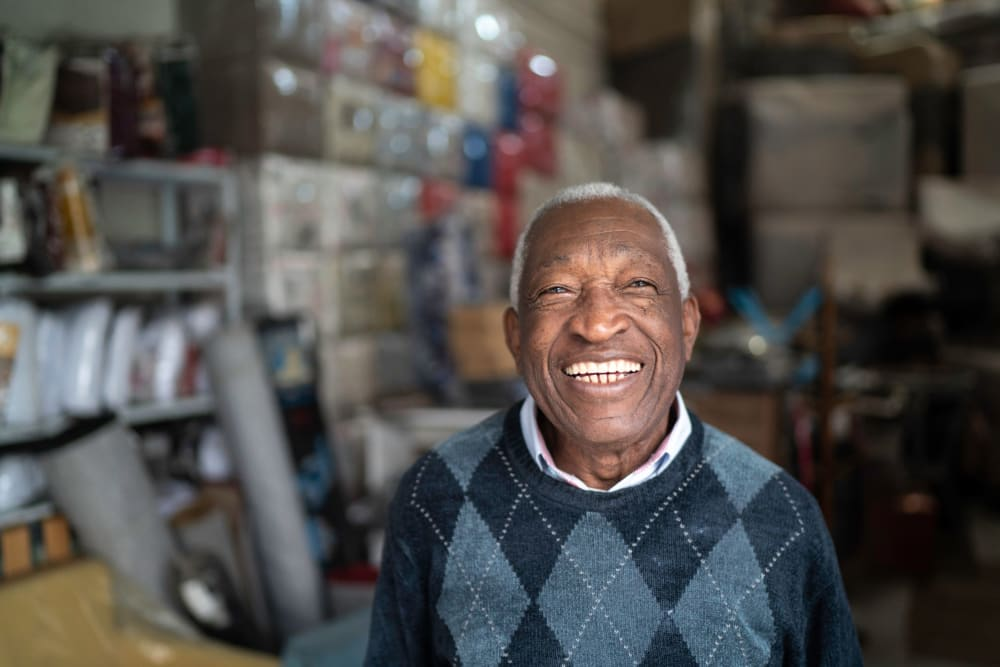 Happy resident at Leisure Manor Senior Living in Sacramento, California