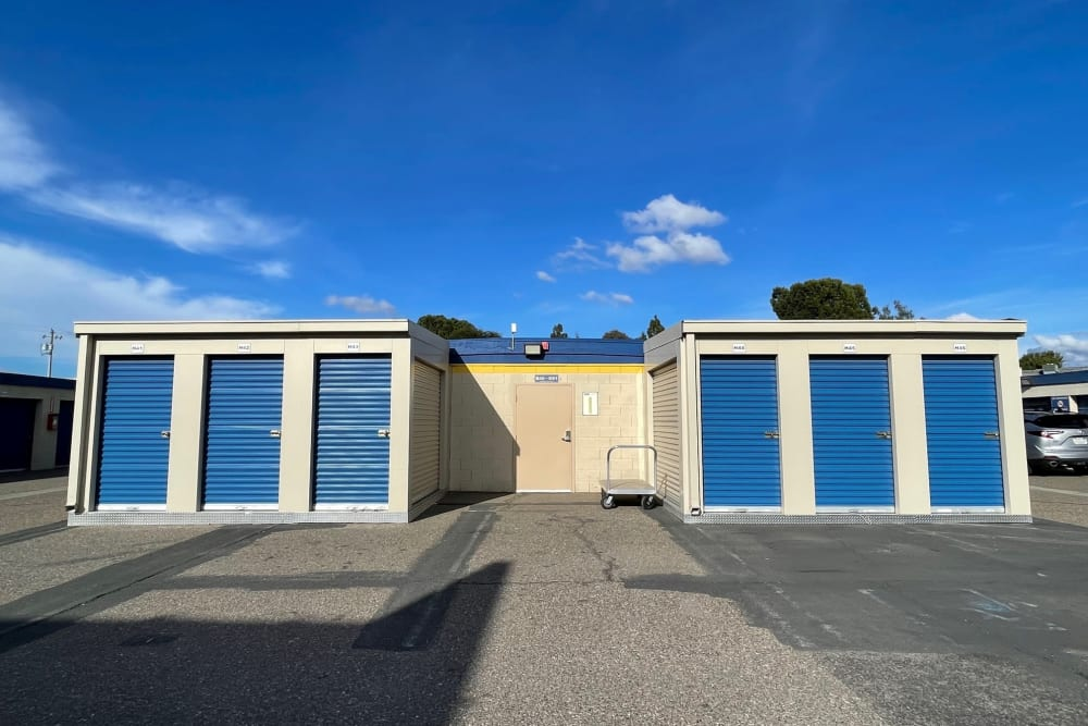 Outdoor access units at Storage Solutions in Manteca, California