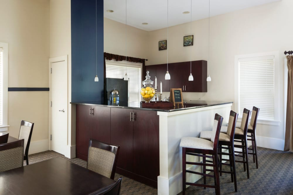 Community dining at Regency Place in Wilmington, Massachusetts