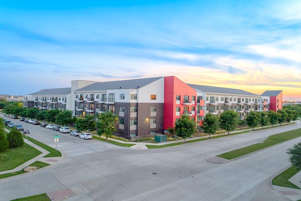 Community View | Axis 3700 Apartments Plano, TX