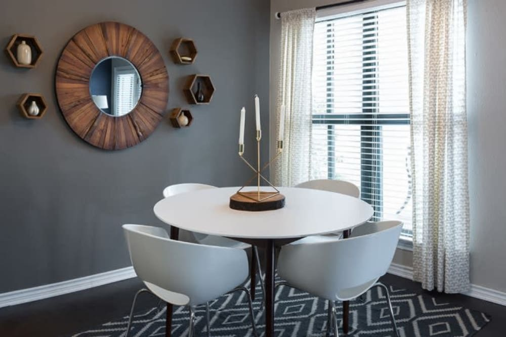 Dining table at Alesio Urban Center in Irving, Texas