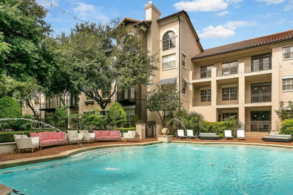 Luxurious swimming pool at Alesio Urban Center in Irving, Texas