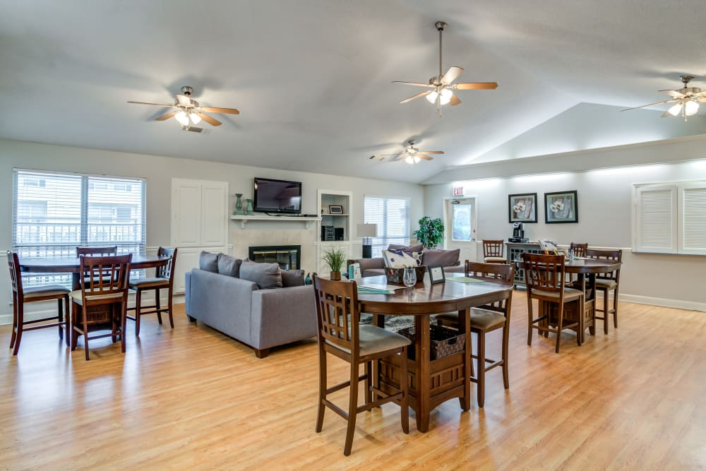 A clubhouse with comfortable seating at Green Wood in Gallatin, Tennessee