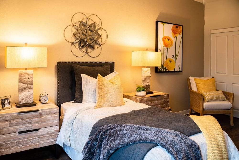 A resident bedroom at Carefield Pleasanton in Pleasanton, California