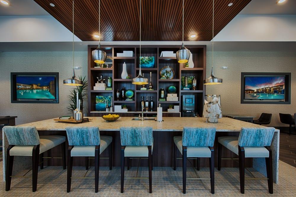 Dining area in Ocio Plaza Del Rio's clubhouse in Peoria, Arizona