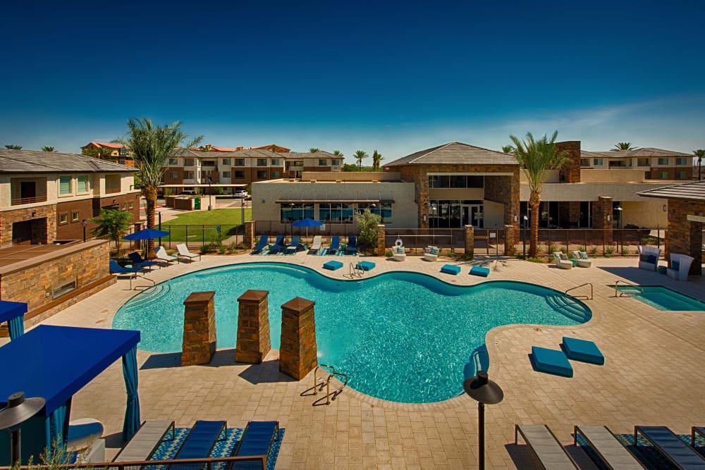 Luxury pool at Ocio Plaza Del Rio in Peoria, Arizona