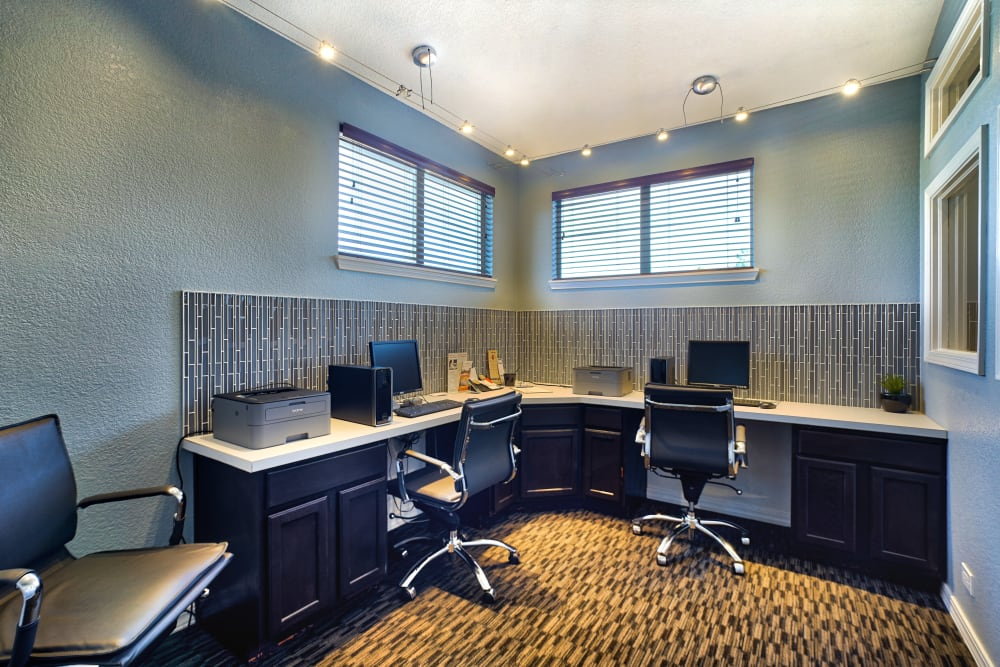 Business Center at Pavilions at Silver Sage in Fort Collins, CO