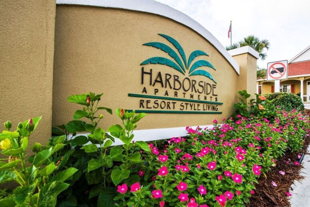 Front sign of Harborside Apartment Homes in Slidell, Louisiana