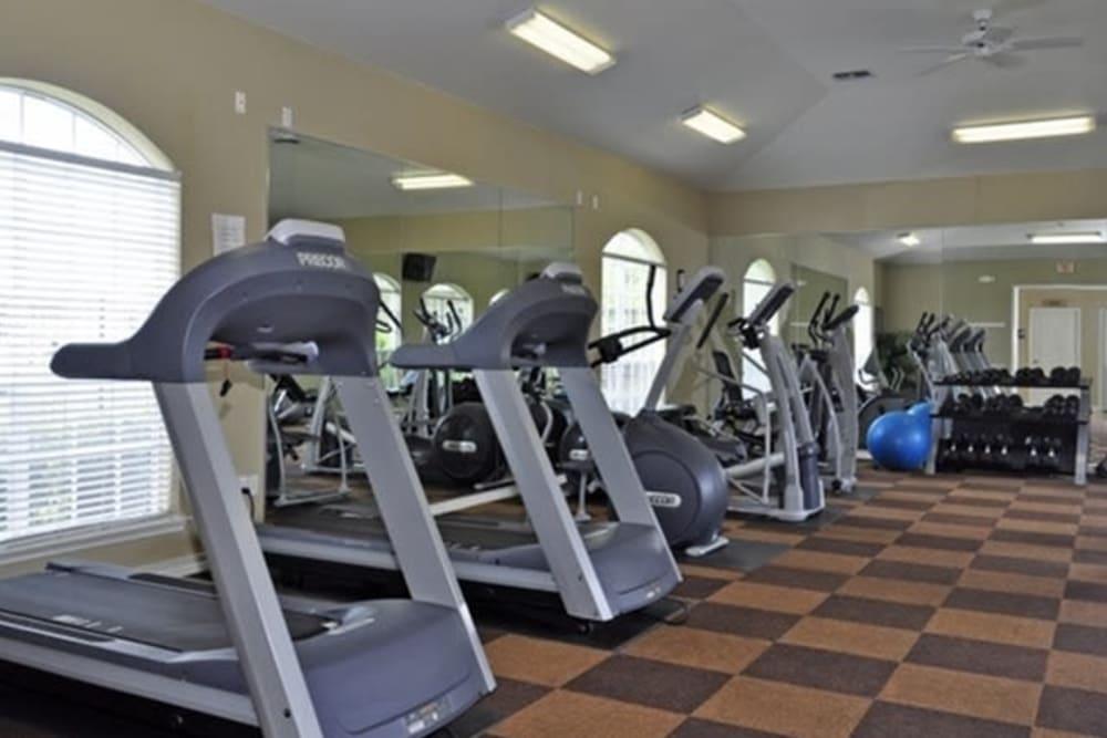 Fitness center at River Walk Apartment Homes in Shreveport, Louisiana
