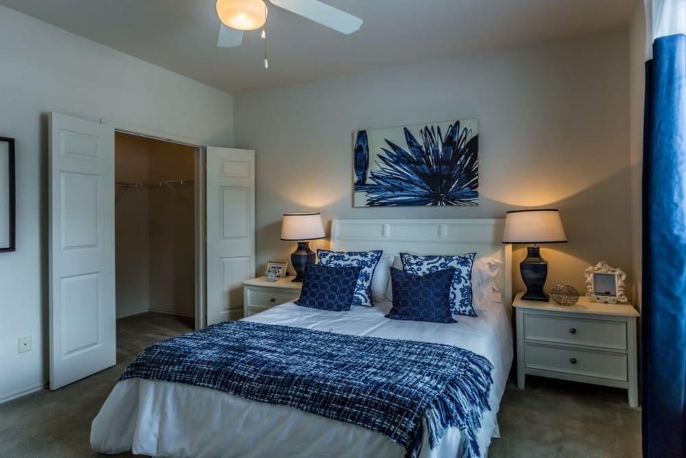 Bedroom at River Walk Apartment Homes in Shreveport, Louisiana