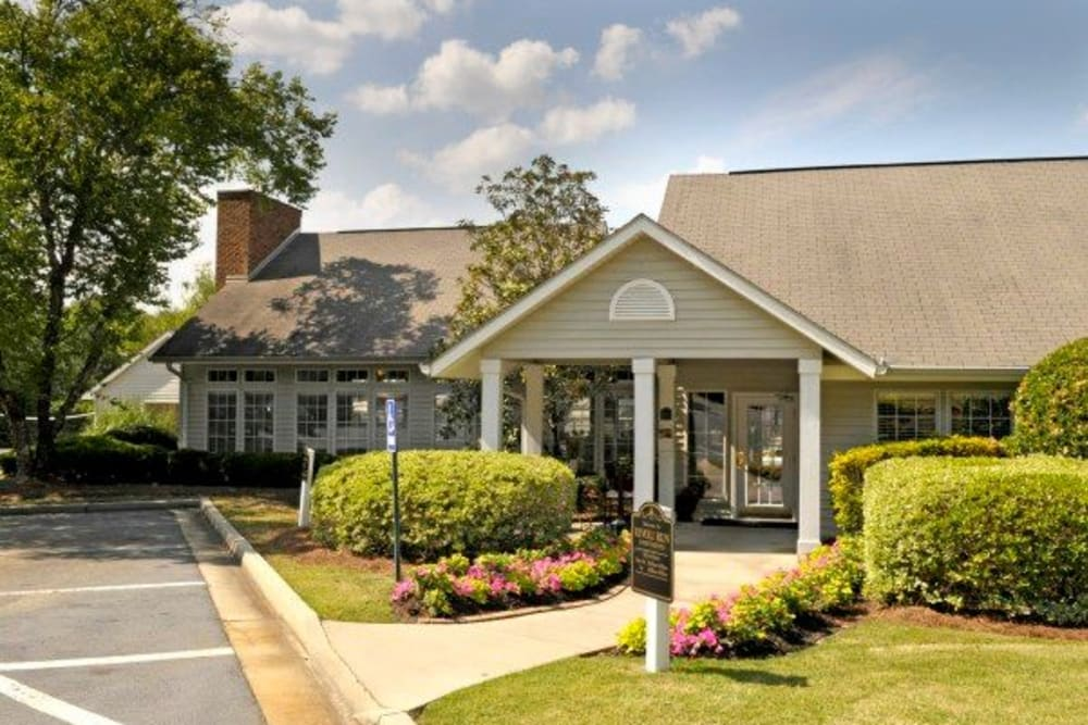 Leasing office at Rivoli Run Apartment Homes in Macon, Georgia