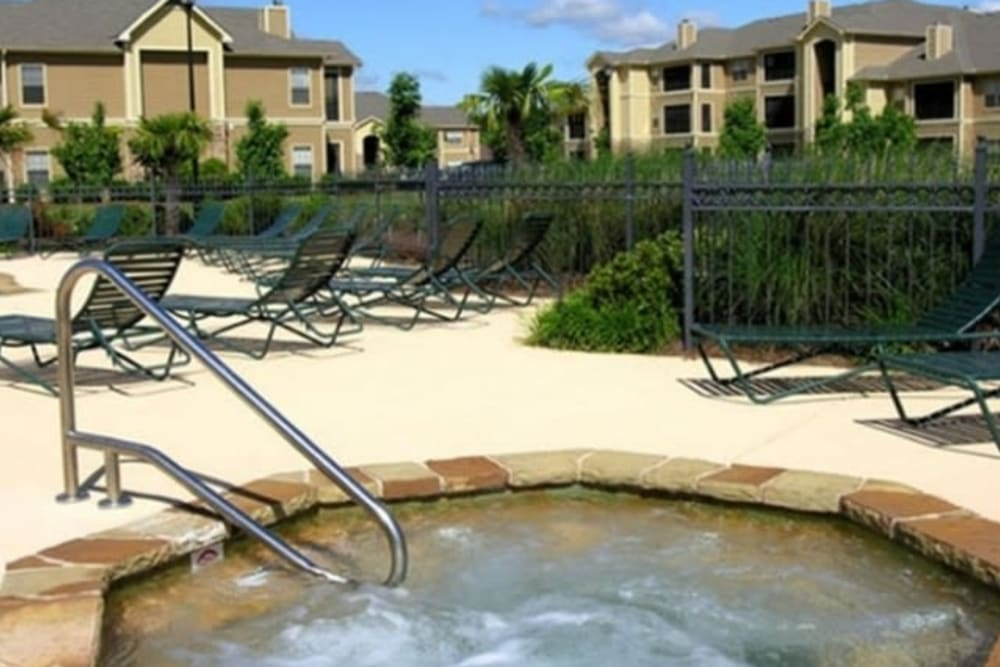 Hot tub at Stockwell Landing Apartment Homes in Bossier City, Louisiana