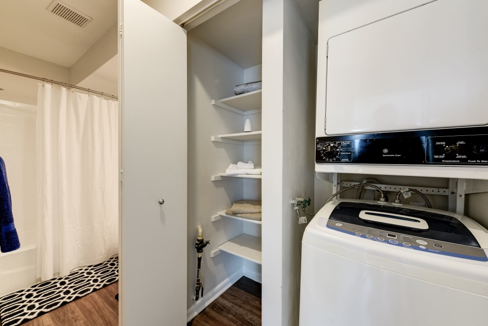 An inhouse washer and dryer at The Landings I & II Apartments in Alexandria, Virginia