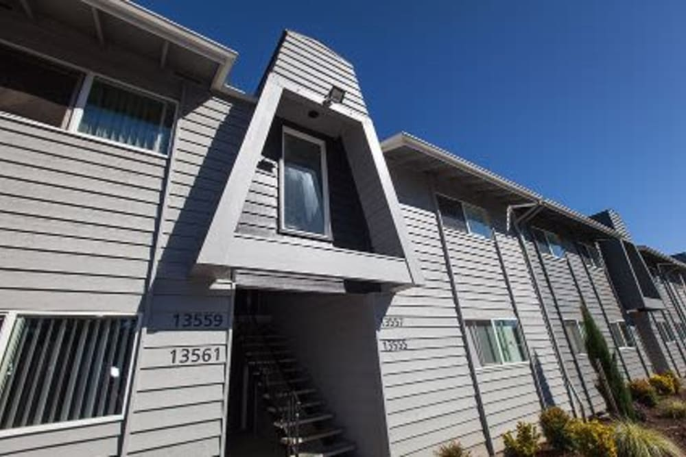 Large windows at Courtyards at Cedar Hills in Beaverton, OR