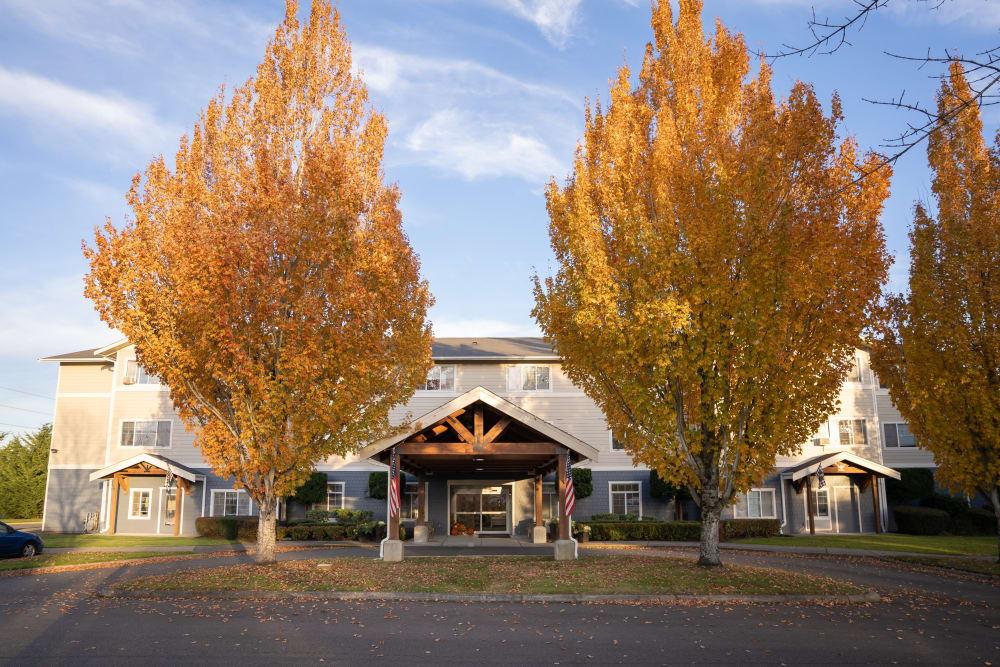 Exterior view of King's Manor Senior Living Community community