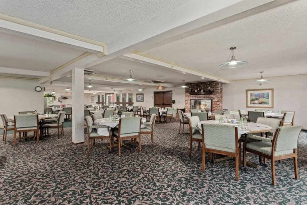 Dining room at The Crest at Citrus Heights in Citrus Heights, California