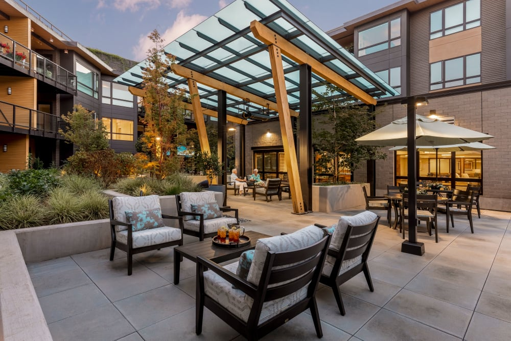 Outdoor patio seating at The Springs at Lake Oswego in Lake Oswego, Oregon