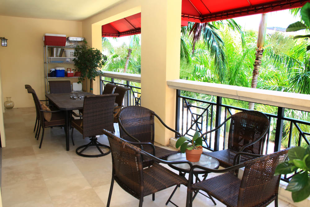 Outdoor patio lounge at The Heritage at Boca Raton in Boca Raton, Florida